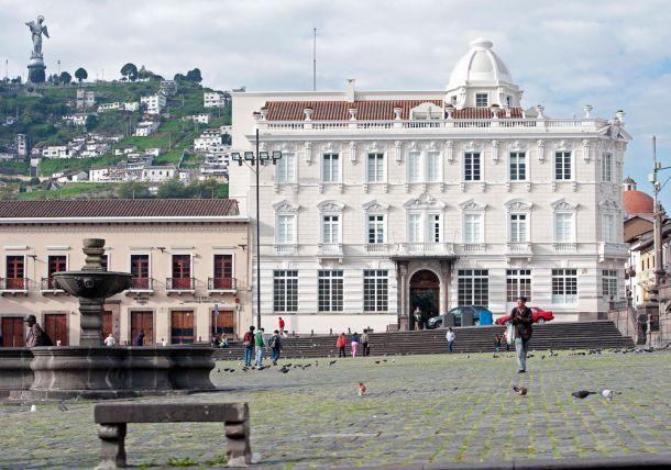 Blog-Plaza-San-Francisco,-Quito-7
