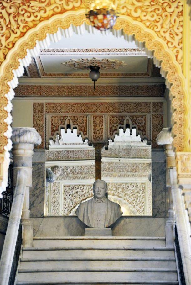 Cienfuegos - Palacio de Valle - interior stairs detail - Cuba