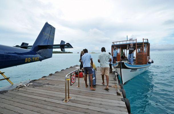 Maldives,Vilamendhoo arrival