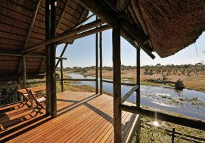 Savuti lodge deck