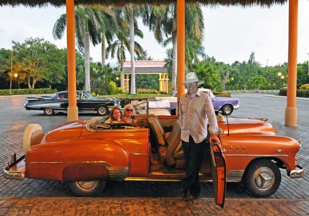 Varadero - American cars evening - Cuba
