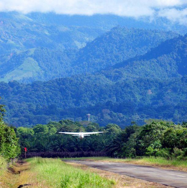 Departure,-Manuel-Antonio-Airport