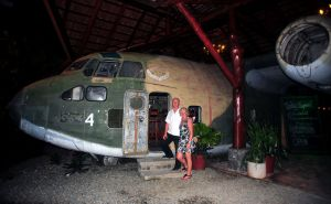 L'Avion-Bar,-Manuel-Antonio