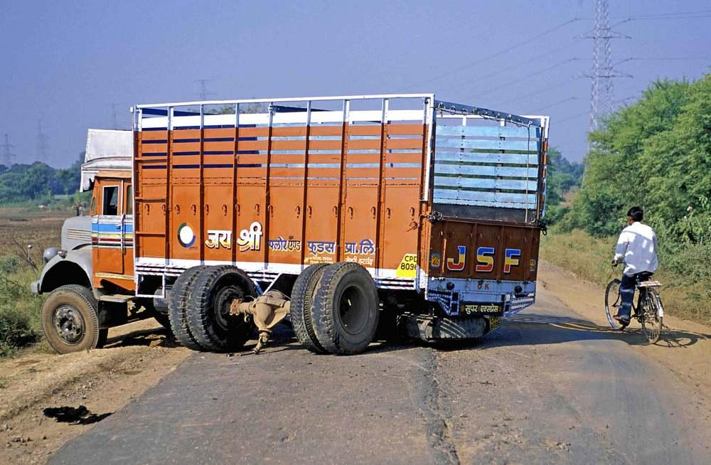 Man sleeping in bin narrowly escapes being crushed in truck