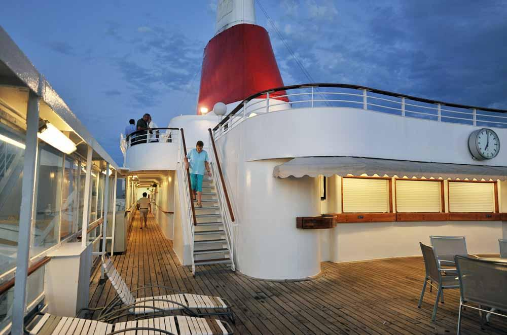 Cruise ship,deck and walkway 2