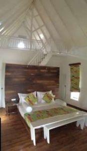 Maalu attic room
