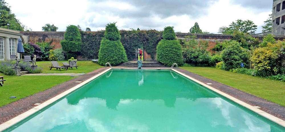 Cliveden pool 18