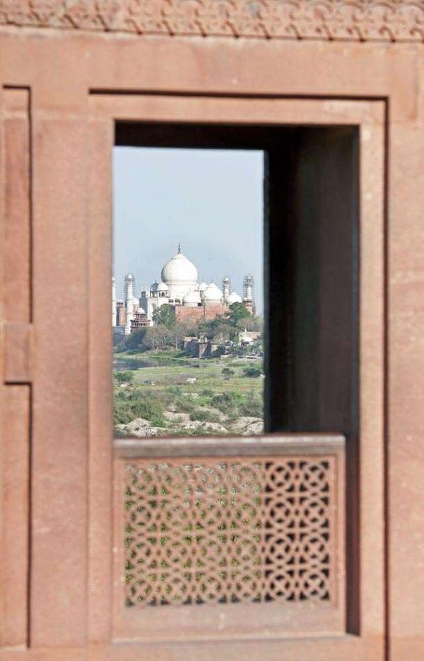 TLC Taj Mahal from Red Fort 1