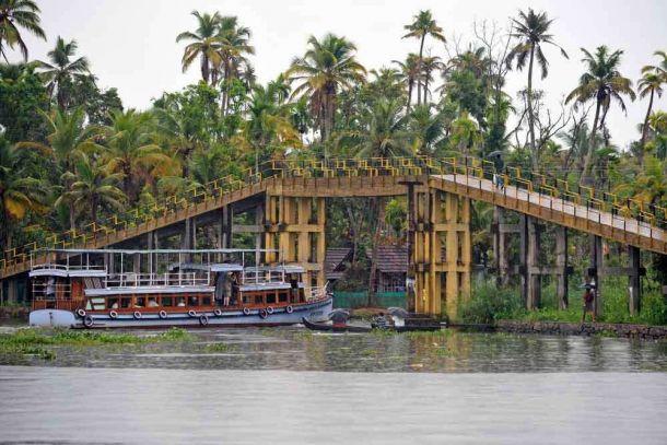 India, Kerala, Cochin, waterways bridge 2