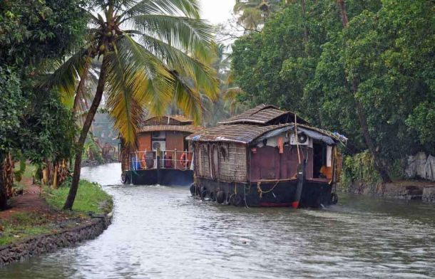 India, Kerala, Cochin, waterways rainswept houseboats 2