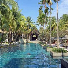 Twinpalms & the two faces of Phuket