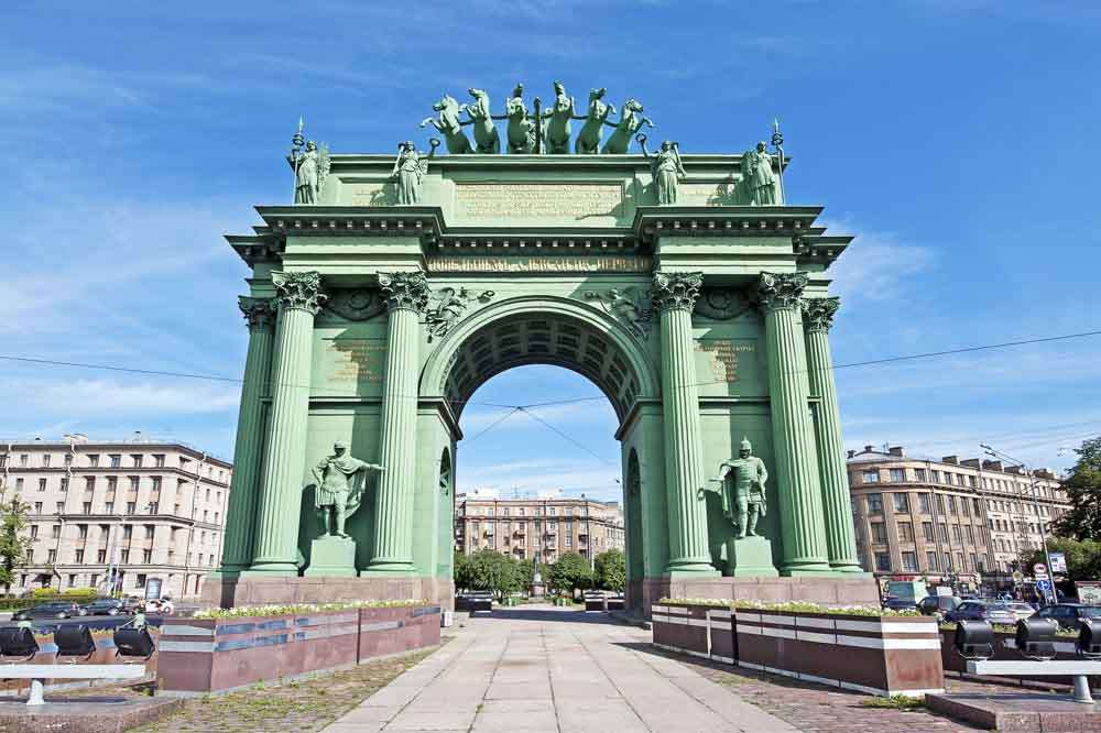 TLC St Pete - Narva Triumphal Gate on Ploshchad Stachek 2